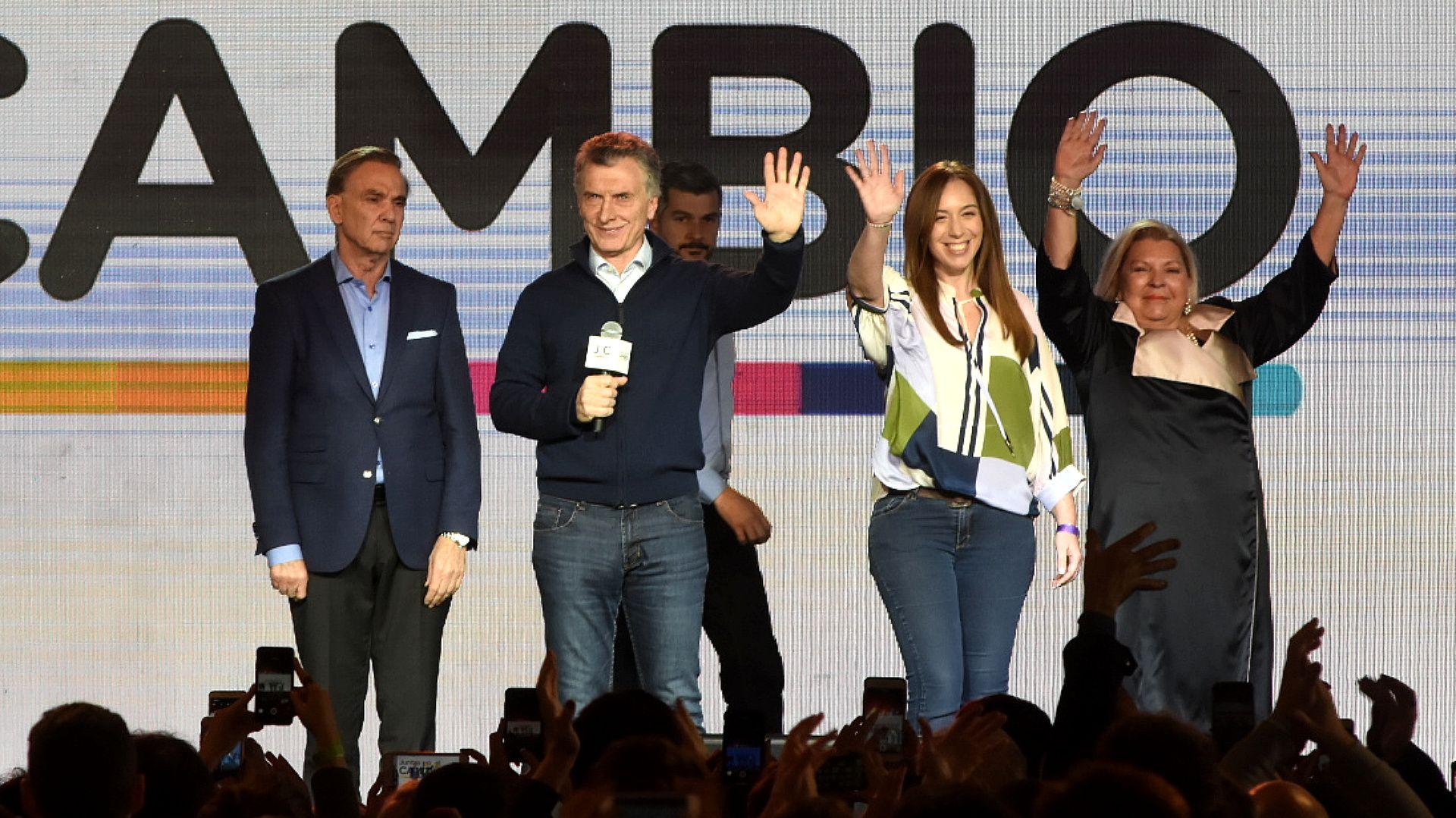 Mauricio Macri, Miguel Ángel Pichetto, María Eugenia Vidal y Elisa Carrió, el domingo (N. Stulberg)