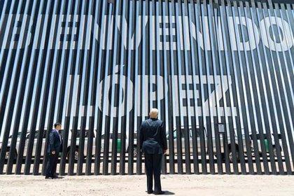 Con motivo de la reciente visita de Donald Trump al muro fronterizo en Arizona, un usuario anónimo de Twitter realizó un meme (Foto: Archivo)