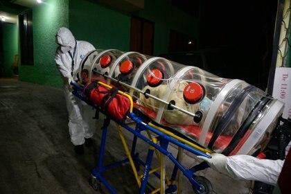 La nueva cepa británica del coronavirus es un 70% más contagiosa (Foto: Archivo / AFP)