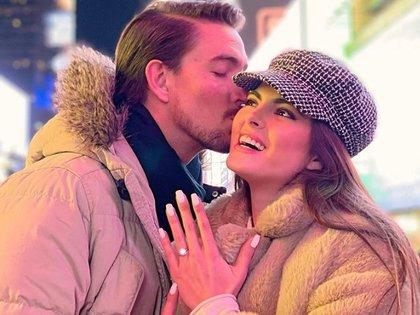 Sofía Aragón y Francisco Bernot compartieron detalles de su romántico compromiso  (Foto: Instagram @sofaragon)