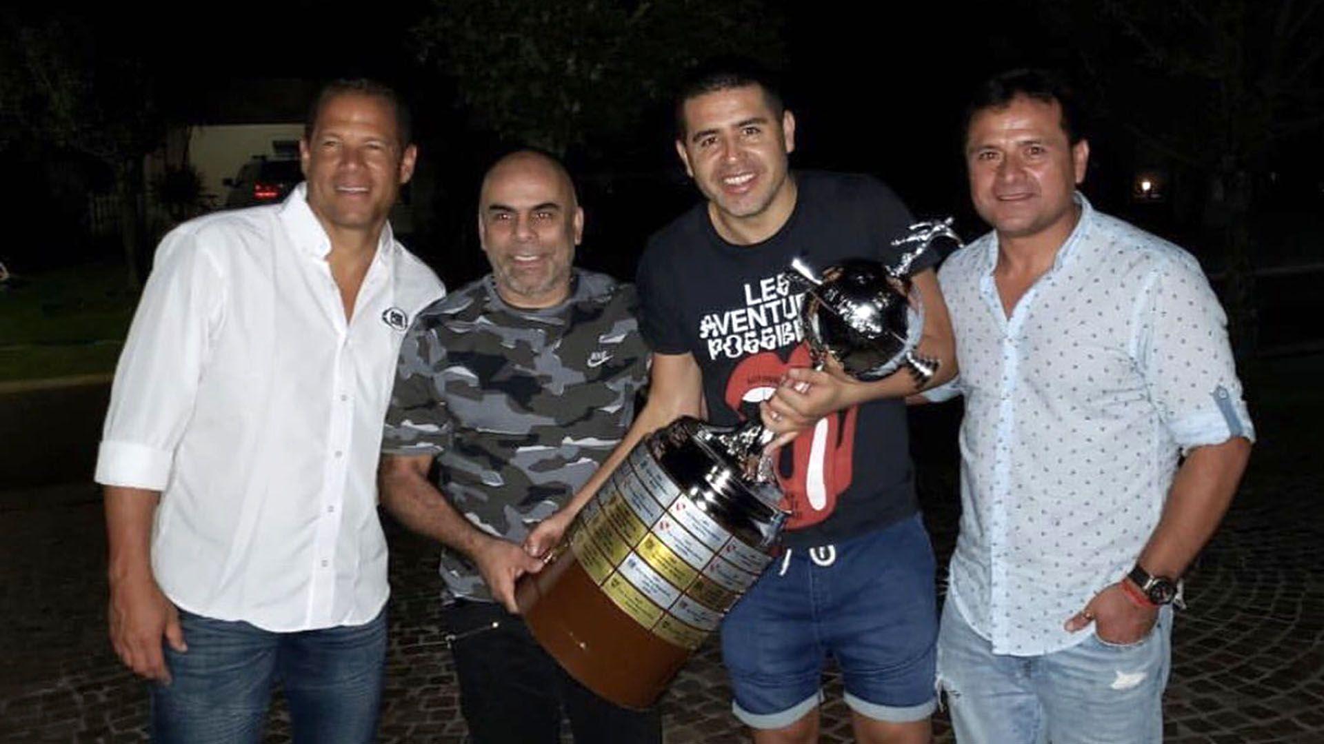 Oscar Córdoba, Chicho Serna, Riquelme y el Chelo Delgado