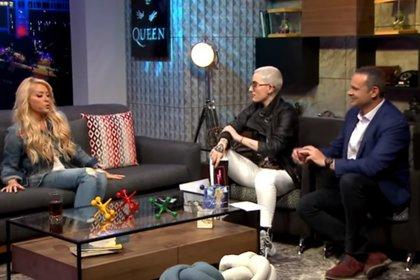 Yuri en la entrevista con Maca Carriedo y Alan Tacher