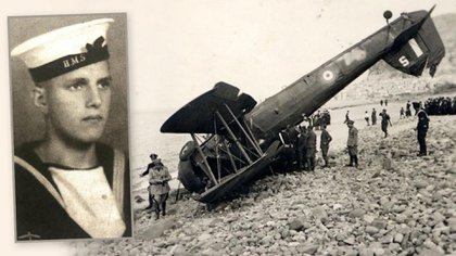 Lazzara encontró a las familias de los aviadores involucrados en la misión, incluido Ken Dickens Griffiths, a la izquierda