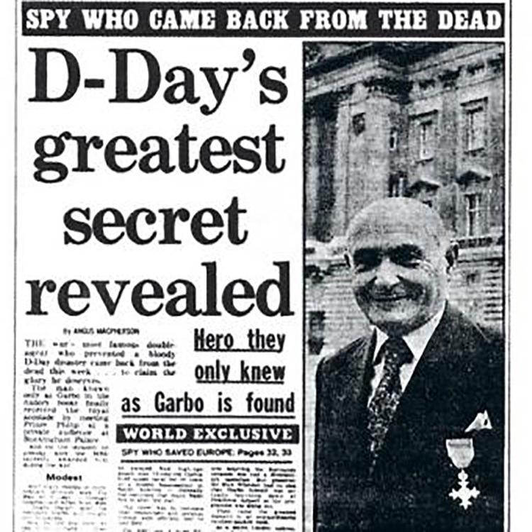 Periódico de 1984, con una imagen de Pujol luciendo la medalla del Orden del Imperio Británico