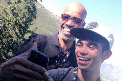 Cameron y su padre (Foto: Instagram @VictorBoyce)