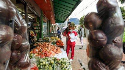 La nueva cuarentena por localidades frena la reactivación económica de pequeños y medianos empresarios. Crédito: Alcaldía de Bogotá