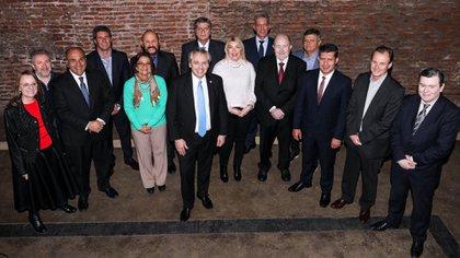 Alberto Fernández junto a los gobernadores del PJ