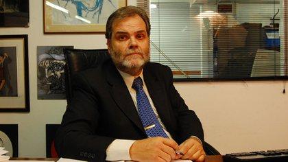 El defensor de la Tercera Edad, Eugenio Semino, detalló a Infobae los aspectos principales de la demanda que presentará el organismo por la suspensión de la ley de Movilidad Jubilatoria