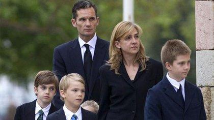 Iñaki Urdangarin, la infanta Cristina y sus hijos (EFE)