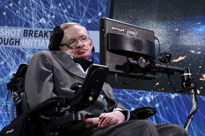 """el día que le preguntaron qué era lo que más le intrigaba del Universo, Hawking contestó: """"¡Las mujeres!"""" (REUTERS)"""
