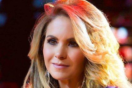 La cantante ha enfrentado diversas polémicas en su carrera, como aquella vez en que uno de sus guardaespaldas amenazó a la prensa con pistola en mano (IG: luceromexico)
