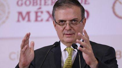 El secretario de relaciones exteriores, Marcelo Ebrard, durante una rueda de prensa en Ciudad de México (México). EFE/Sáshenka Gutiérrez/Archivo