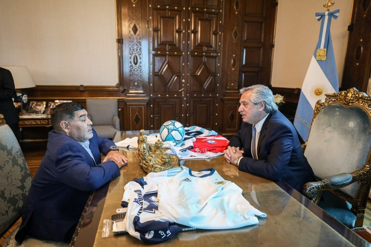 Alberto Fernández y Diego Maradona, cara a cara