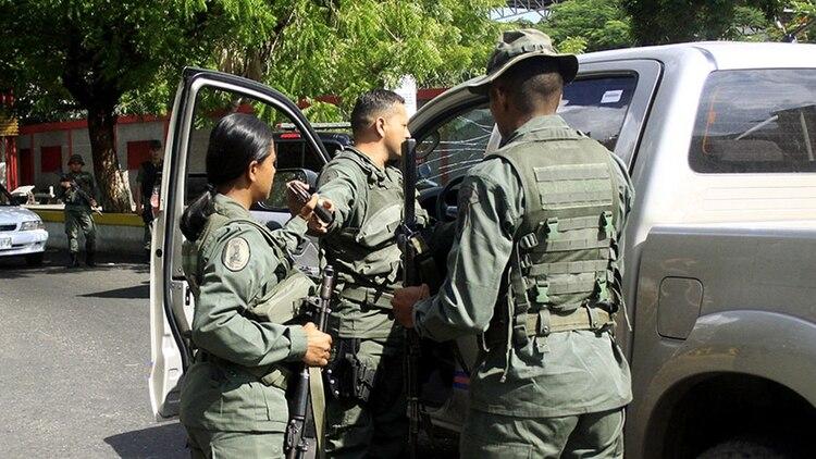 Cinco ex miembros de la Guardia Nacional Bolivariana