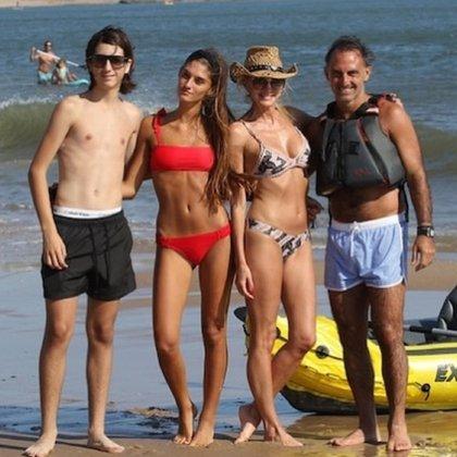 La familia unida: Dieguito, Lola, Yanina y Diego