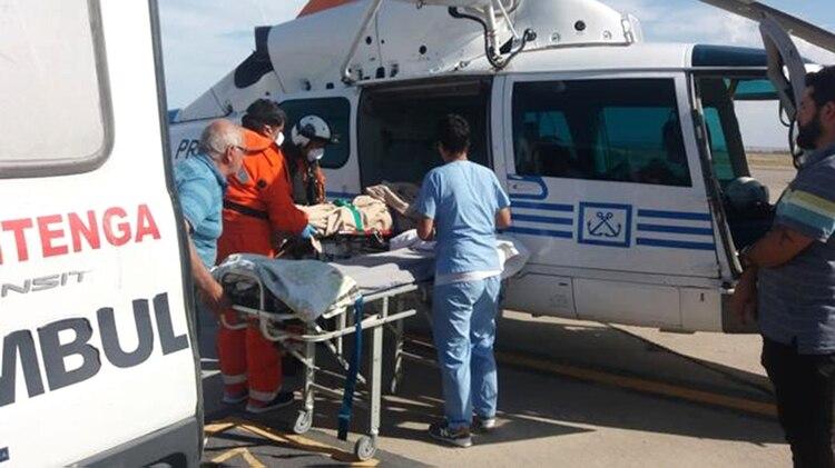 Así era trasladado el turista extranjero a un centro de salud de la provincia de Chubut