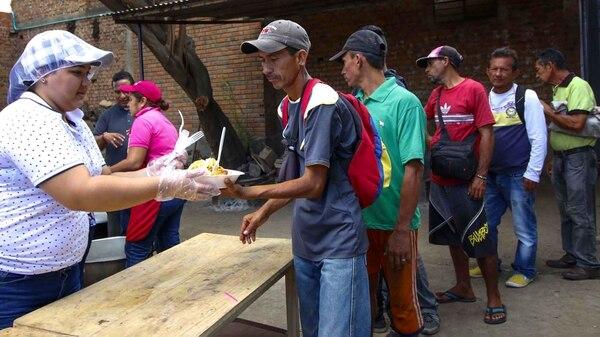 """""""Mercatón para los venezolanos"""" en Barranquilla (AFP)"""