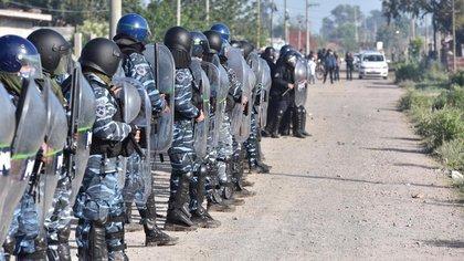 El operativo de la Policía bonaerense ocurrió después de varias semanas en que el gobierno provincial entabló negociaciones con los ocupantes, realizó un censo y logró un acuerdo con un importante número de familias.