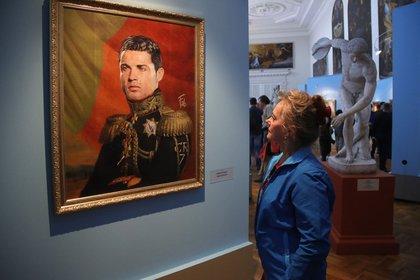 """Like The Gods"" también contó con la imagen de Cristiano Ronaldo (AP Photo/Dmitri Lovetsky, File)"