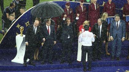 Evidentemente, la organización no contempló la posibilidad de una lluvia (Reuters)