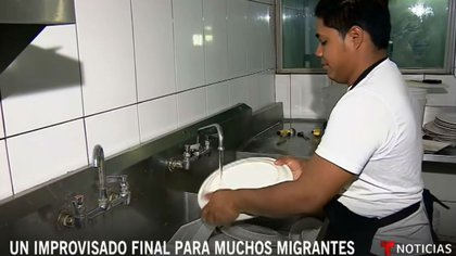 Pequeños empresarios abrieron las puertas de sus negocios a los migrantes (Foto: YouTube Noticias Telemundo)