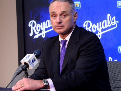 "In the picture, Major League Baseball Commissioner Rob Manfred said in September that playing 162 games in 2021 without fans would be ""economically devastating"".  EFE / LARRY W. SMITH / Archive"