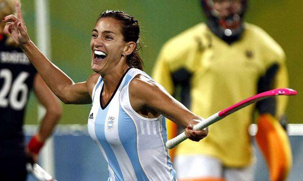 Luciana Aymar, ex integrante de Las Leonas, también fue distinguida como una de las mejores deportistas de la década.