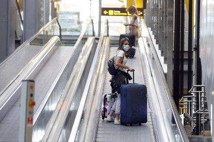 Zona de llegadas del Aeropuerto de Madrid-Barajas Adolfo Suárez. EFE/JJ Guillén/Archivo