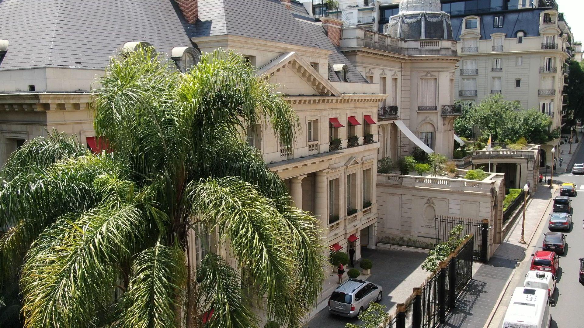 La fachada del Palacio Duhau - Park Hyatt (Thomas Khazki)