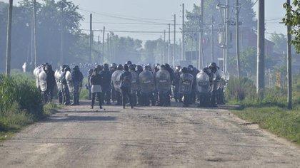 El plazo de las negociaciones se agotó y, por orden judicial, el predio de 200 hectáreas fue desalojado alrededor de las 6 de la mañana.