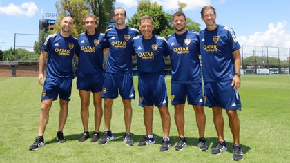 El flamante cuerpo técnico liderado por Miguel Ángel Russo (Foto: Boca Juniors)