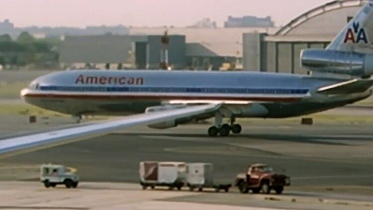 El McDonnell DC-10 de American Airlines en la pista del aeropuerto de O'Hare, antes de la tragedia