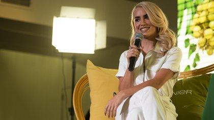La cantante millennial recibió a Infobae en su camarín a solas para una entrevista exclusiva.  (Adrián Escandar)
