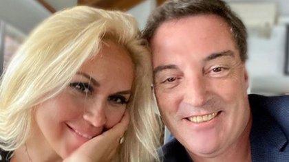 Verónica Ojeda y Mario Baudry están muy enamorados (Instagram)