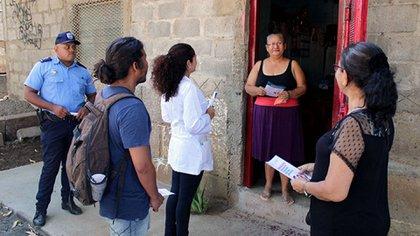Unos cuatro millones de visitas casa a casa del personal de salud dice el gobierno de Nicaragua haber realizado como parte de su estrategia para combatir el COVID-19. (Foto tomada del 19 Digital)