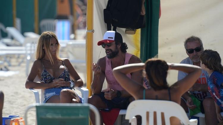 Sabrina Rojas, Luciano Castro y amigos en Play Beach – Mar del Plata (Foto Teleshow)