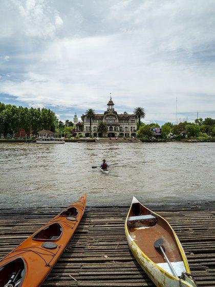 Los paseos en kayak son una de las principales actividades en el Tigre