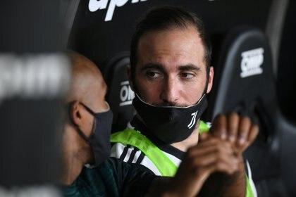 Andrea Pirlo anunció que no tendrá en cuenta a Gonzalo Higuaín (Foto: Reuters)