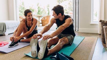 """Para muchos se volvió una rutina hacer ejercicios """"in house"""" ya que están cerrados los gimnasios y no está habilitada la actividad al aire libre (Shutterstock)"""