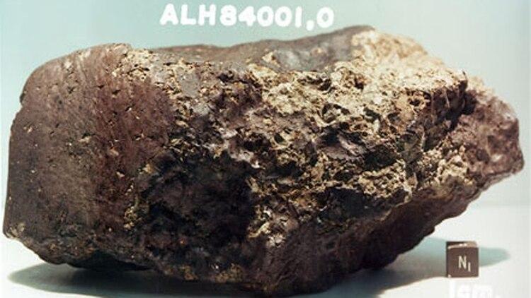 El meteorito marciano descubierto en la Antártida en 1984 llamado ALH84001