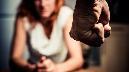 Una profesora de la UAEMex daba clase en línea cuando fue agredida; sus alumnos grabaron al responsable