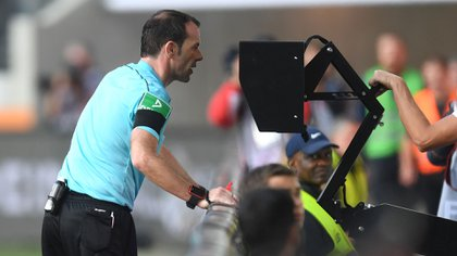 El VAR ya se utiliza en competiciones como la Bundesliga, la Serie A italiana y la MLS (AFP)