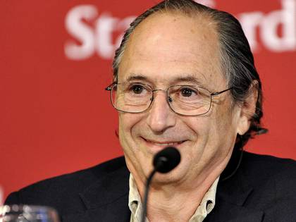 Michael Levitt en una conferencia de prensa en 2013 (Foto: Hap/ Quirky China News/ Shutterstock)