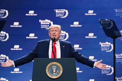El presidente de los Estados Unidos Donald Trump pronuncia un discurso en la Convención Anual y Exposición Comercial de la Federación de la Oficina Agrícola Americana en Austin, Texas, el 19 de enero de 2020. REUTERS/Kevin Lamarque