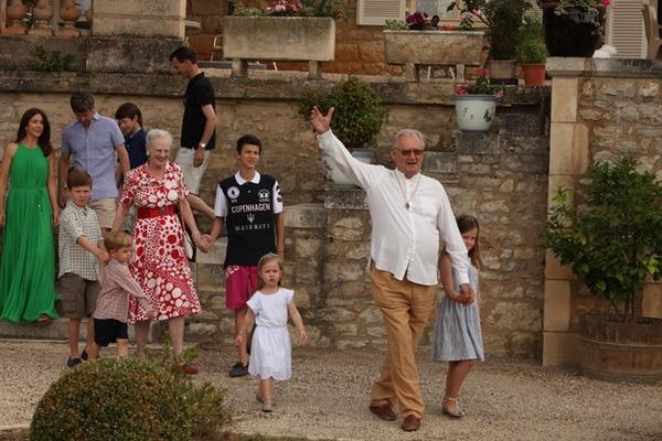 El príncipe Enrique y la reina Margarita junto con la familia en el Castillo de Cayx