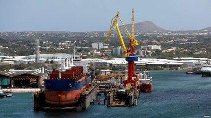 Un buque de PDVSA