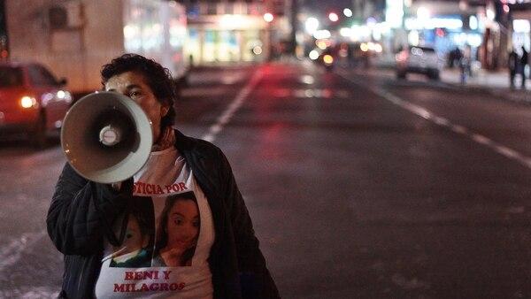 Amalia Ojeda durante una de las marchas por Milagros y Benicio (Gentileza La Palta – Comunicacion alternativa)
