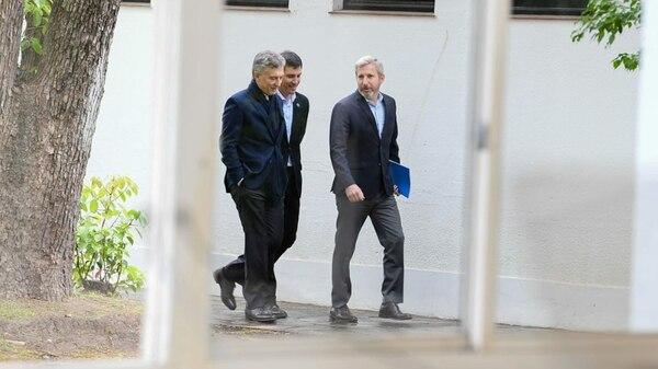Los anuncios en Olivos. El presidente Macri, el ministro del Interior, Rogelio Frigerio, y el secretario de Vivienda, Iván Kerr