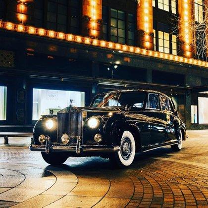 El Phantom V de 1961, un auto con dimensiones y confort dignos de una limusina. (Lunaz Design)