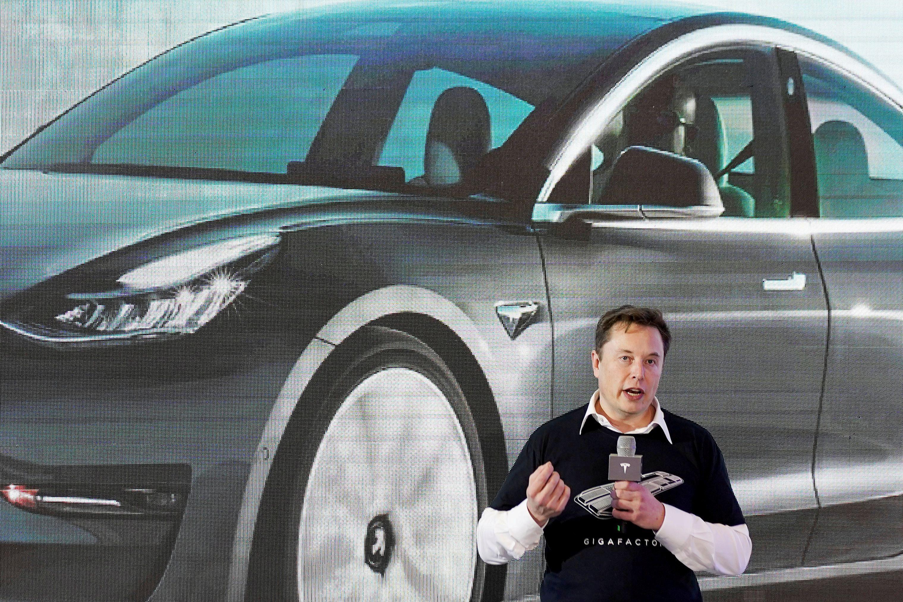 Elon Musk, fundador de Tesla, fabricante de autos eléctricos, en una presentación en China  China January 7, 2020. REUTERS/Aly Song/File Photo